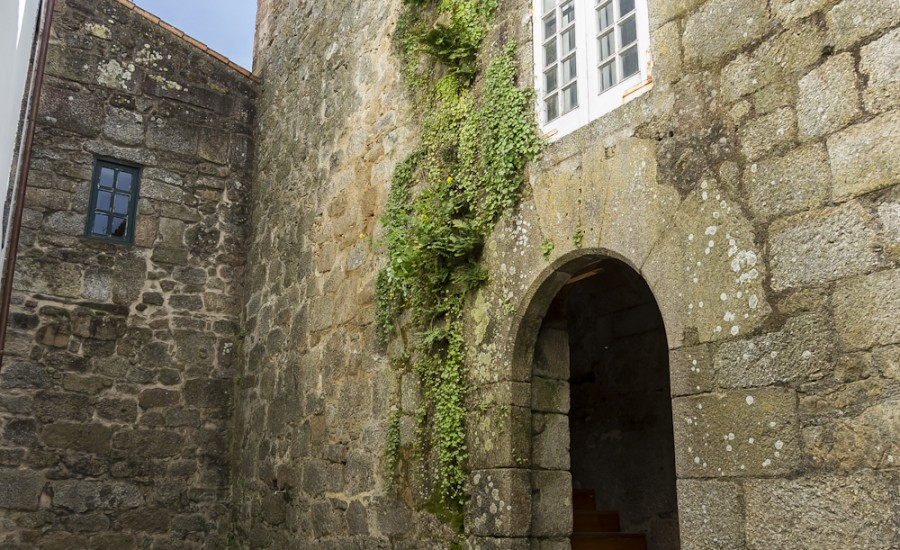 Entrada al Centro de Información Judía de Galicia. Pazo de los Condes de Ribadavia