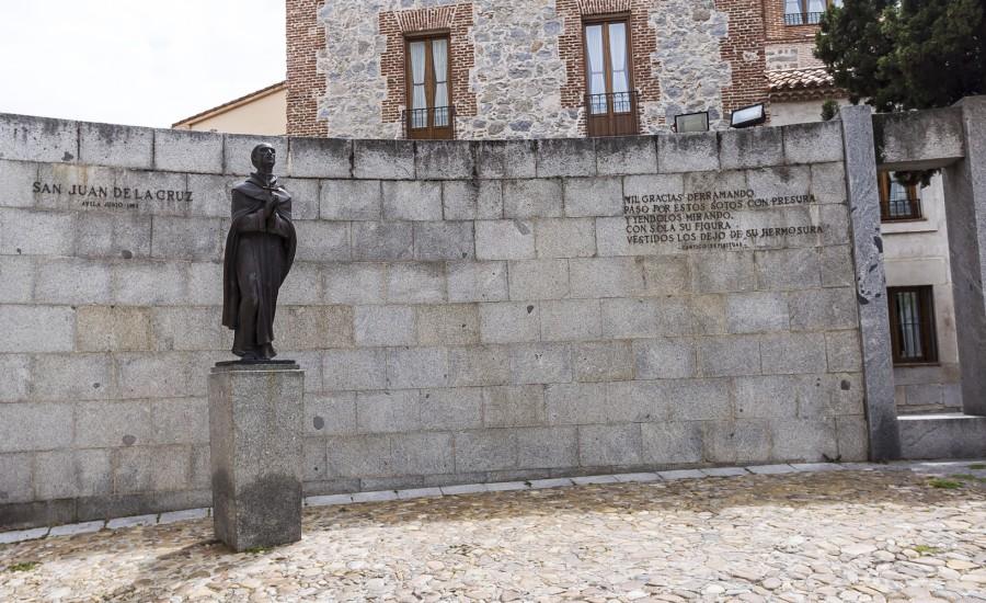 San Juan de la Cruz. Plaza del Corral de las Campanas. Ávila